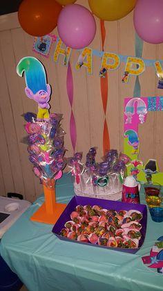 Trolls cakepop stand