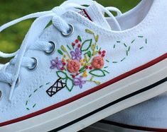 Converse Shoes, Bride Sneakers, All White Converse, Mode Converse, Floral Converse, Converse Wedding Shoes, Wedding Sneakers, Groom Shoes, Custom Converse
