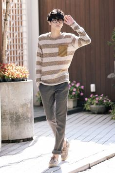 Korean fashion men - 10 Korean Men's Outfit Styles for a Fresh and Stylish Appearance – Korean fashion men Mens Fashion Wear, Korean Fashion Men, Best Mens Fashion, Korean Street Fashion, Kpop Fashion, Japan Fashion, Fashion Outfits, Fashion Styles, Fashion Tips