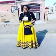African Fashion Traditional, Traditional Outfits, Traditional Wedding, Short African Dresses, African Fashion Dresses, Xhosa Attire, African Fashion Designers, African Design, Weeding