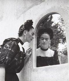 La hermosa Frida por Lola Álvarez Bravo
