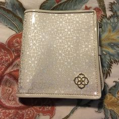 Kendra Scott Jewelry Holder White and silver Kendra Scott Larsh jewelry travel bag. 36 holes on the inside for earrings. Kendra Scott Accessories