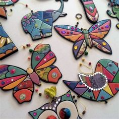 Comprá online Set x3 Pajaros para movil en MDF 3mm por $75,00. Hacé tu pedido y pagalo online. Stained Glass Mirror, Mirror Mosaic, Glass Wall Art, Mosaic Glass, Mosaic Animals, Mosaic Birds, Mosaic Garden Art, Mosaic Art, Mosaic Designs