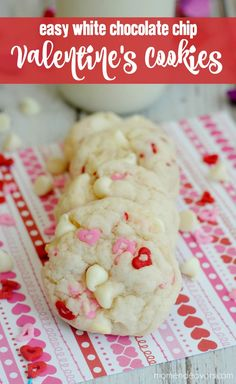 Valentine's Day cookies with easy white chocolate chips – Cook It Valentine's Day Food Valentines Baking, Valentines Day Cookies, Walmart Valentines, Valentine Nails, Valentine Treats, Valentines Diy, Oatmeal Breakfast Bars Healthy, White Chocolate Chip Cookies, Choco Chips
