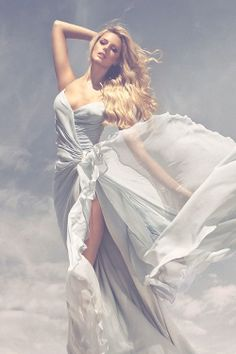 This would look AMAZING on Jennifer Lawrence or Carrie Underwood!!!!! Don't you think?