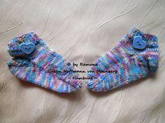 ~ NEU ~ handgestrickte Babysocken ~ Sneaker ~ Gr. 20/21 ~ (0011)