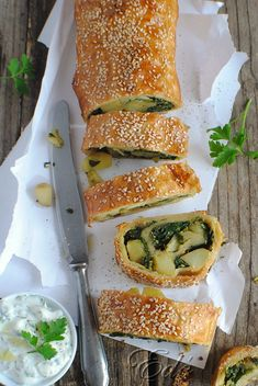 Strudel, Main Dishes, Sandwiches, Yummy Food, Recipes, Drink, Yogurt, Main Course Dishes, Entrees