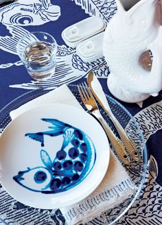 Blue and White Greek Island Dining.