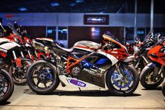 Very good looking 1198, except those wheels. Some chrome lettering or icons good.