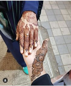 65 Ideas for design quotes simple inspiration Khafif Mehndi Design, Mehndi Design Pictures, Mehndi Style, Mehndi Images, Pretty Henna Designs, Bridal Henna Designs, Beautiful Mehndi Design, Latest Arabic Mehndi Designs, Stylish Mehndi Designs