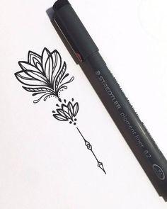 tatouage bras femme lotus idée tatouage design