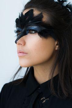 Crows Make Up - # # crows crows ma . - Crow Make Up – # Crow Make Up – # - Raven Costume, Bird Costume, Mouse Costume, Up Halloween, Halloween Face Makeup, Couple Halloween, Black Swan Costume Halloween, Halloween Costumes, Masquerade Costumes