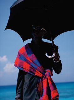 Viviane Sassen Combines Surrealism And Fashion Artistic Fashion Photography, Photography Pics, Fashion Photography Inspiration, Modern Photography, Abstract Photography, Light Photography, Street Photography, Viviane Sassen, Fashion Books