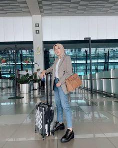 Boyish Outfits, Blazer Outfits Casual, Casual Hijab Outfit, Denim Outfit, Ootd Hijab, Hijab Chic, Modesty Fashion, Fashion Outfits, Fashion Muslimah