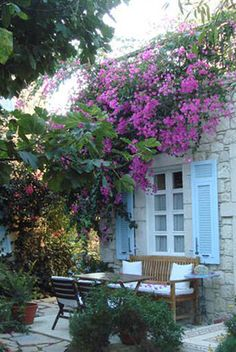 #Alacati #otelleri are situated in the heart of the city. This #hotel in #Izmir is a mixture of traditional and contemporary style. http://www.incirliev.com/