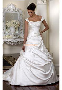 Robe de mari e princesse d cor e de broderie et de perles for Concepteurs de robe de mariage australien en ligne