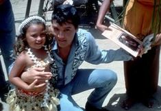 Elvis Presley 1965 Hawaii Interview - Elvis Information Network Heaven Wallpaper, Elvis Presley Photos, Graceland, Vintage Glamour, In Hollywood, 2 In, Mississippi, Rock N Roll, Candid