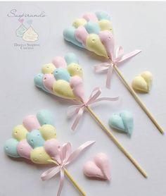 59 Ideas For Baby Shower Food Snacks Cake Pop Baby Shower Cakes, Baby Shower Cake Decorations, Meringue Desserts, Meringue Cookies, Cakepops, Mini Meringues, Meringue Kisses, Unicorn Cupcakes, Pavlova