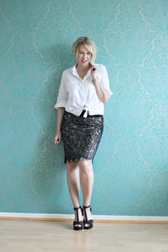 A fashion blog for women over 40 and mature women http://glamupyourlifestyle.blogspot.de/ Blouse: Dorothee Schumacher Skirt: Impressionen Shoes: Guess