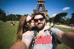 Romantic couple making selfie in front of Eiffel Tower while traveling in Paris, France. Happy smiling students enjoy their vacation in Europe. Honeymoon Getaways, Best Honeymoon Destinations, Honeymoon Spots, Romantic Honeymoon, Romantic Couples, Honeymoon Ideas, Romantic Getaway, Vacations, Tour Eiffel