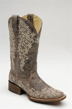 Corral's best-selling boots - now available in square toe!