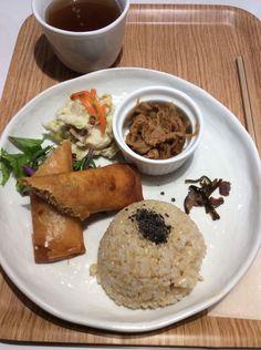 玄米ビーフンと野菜の春巻 900円
