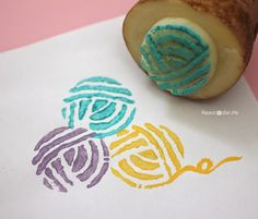 Repeat Crafter Me: Yarn Ball Potato Stamp