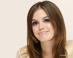 Rachel Bilson all about the lashes