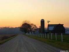 Amish farm  http://amishstorys1.blogspot.com/search?updated-max=2011-06-06T07%3A01%3A00-04%3A00=30