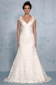 Questo è praticamente lo stesso del mio abito da sposa. A me piace. Tanto :.-)