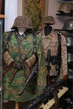 Götz von Berlichigen uniforms in Normandy 1944 Ww2 Uniforms, German Uniforms, Military Uniforms, German Soldiers Ww2, German Army, Military Art, Military History, Mercedes Stern, Army Helmet