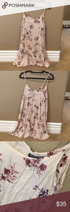 [LIKE NEW] Brandy Melville: Beige Floral Dress In like new condition, only worn once. Wrinkled because I folded it with my other clothes. I can definitely steam the wrinkles out before sending it! Brandy Melville Dresses