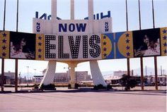 Elvis, Las vegas 70's~i wish i couldve seen this with my own 2 eyes...