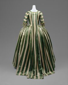 DT11839.jpg 2,944×3,722 pixels Robe a la Francaise 1778-85 French silk and linen