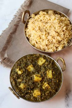 A quick and easy Spinach Potato Curry with just 10 ingredients that cooks up in 30 minutes. Plant-based, vegan, oil free and gluten free. Healthy Indian Recipes, Vegetarian Recipes, Strawberry Snacks, Potato Curry, Creamed Spinach, Veggie Dishes, Curry Recipes, Vegan Dinners, Vegetarische Rezepte