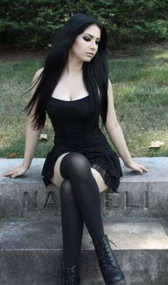 Hot Alternative Goth Beauty ❤Trending Girl's Fashion ❤Dark Fashion for Sexy Girls 💜Toned Curvy Body 💜Latest Trends in Goth Fashion Goth Beauty, Dark Beauty, Alternative Mode, Alternative Fashion, Hot Goth Girls, Hot Girls, Punk Girls, Smart Girls, Dark Fashion