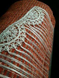 mantón de semicírculos Love Crochet, Irish Crochet, Crochet Shawl, Crochet Lace, Shawl Patterns, Crochet Patterns, Crochet Borders, Crochet Accessories, Dance Costumes