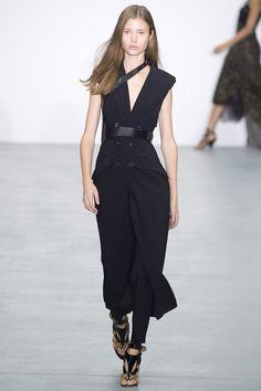 Antonio Berardi Spring 2017 Ready-to-Wear Fashion Show - Victoria Kosenkova