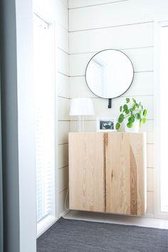 talo markki - helppohoitoinen viherkasvi - kilpipiilean hoito ja alkuperä - pyöreä peili - design valaisin - ikea ivar kaappi