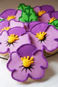 Pretty Purple Pansy Cookies by LindasEdibleArt on Etsy  #pansies
