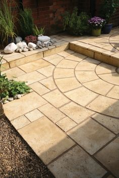 Clever and unusual use of this Tuscany circle can create a distinctive and individual look.
