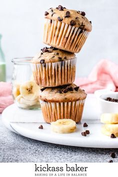 These Banana Chocolate Chip Muffins will have you skipping your usual stop at th. These Banana Chocolate Chip Muffins will have you skipping your usual stop at the local bakery for Double Chocolate Chip Muffins, Banana Chocolate Chip Muffins, Cupcakes, Baking Recipes, Dessert Recipes, Homemade Muffins, Yummy Food, Tasty, Sweet Bread