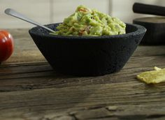 Guacamole i tre varianter Guacamole, Tacos, Mexican, Ethnic Recipes, Dressing, Food, Essen, Yemek, Mexicans