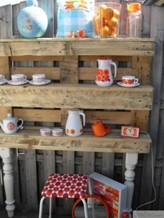 Garden shelves from old pallet wood by Willowmoon