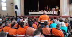 Drayton-Miner-asking-Q-at-Maitland-Community-Cabinet.jpg