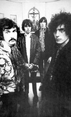 Pink Floyd        ♠ SHINE ON