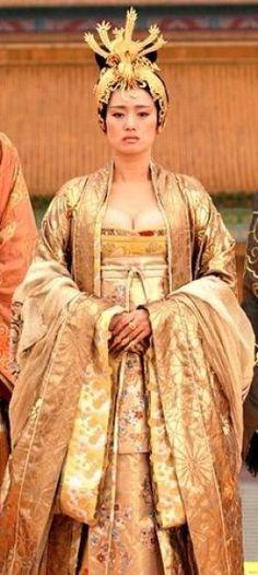 67 best gong li in curse of the golden flower gong li as empress phoenix from curse of the golden flower mightylinksfo