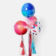 @unelefantemx posted to Instagram: #\\\# #\\\\# #\\# #\\\# #\\\\\# 🎈Checa las nuevas burbujas en www.unelefante.mx One Balloon, Balloons, Let The Fun Begin, Diy Party Decorations, 2nd Birthday, Instagram, Bubbles, Globe Decor, Presents