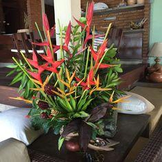 Arranjo com flores tropicais! Maceió, Al- Brazil