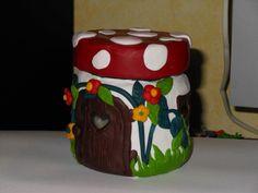QUesto è un porta candele ma anche in porta oggetti....fatto con Fimo